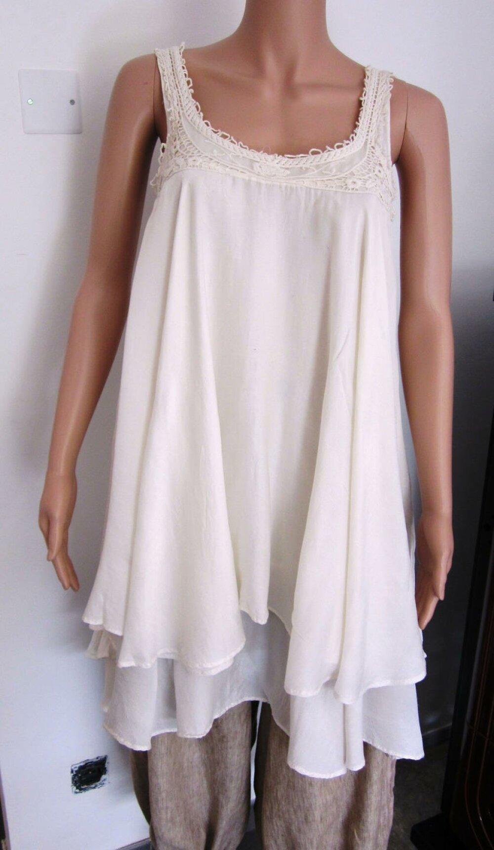 Tunique femme sans manches  en soie ivoire brodée taille 38