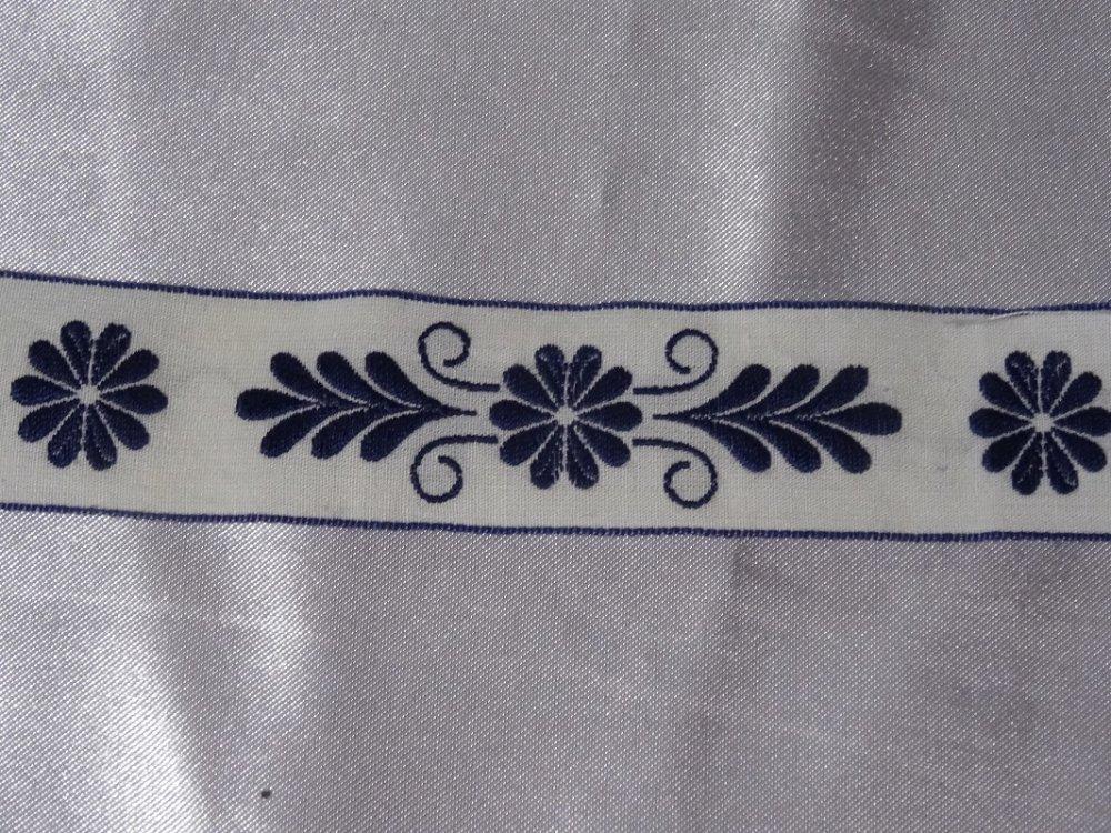 Galon coton fleurs bleues et blanches
