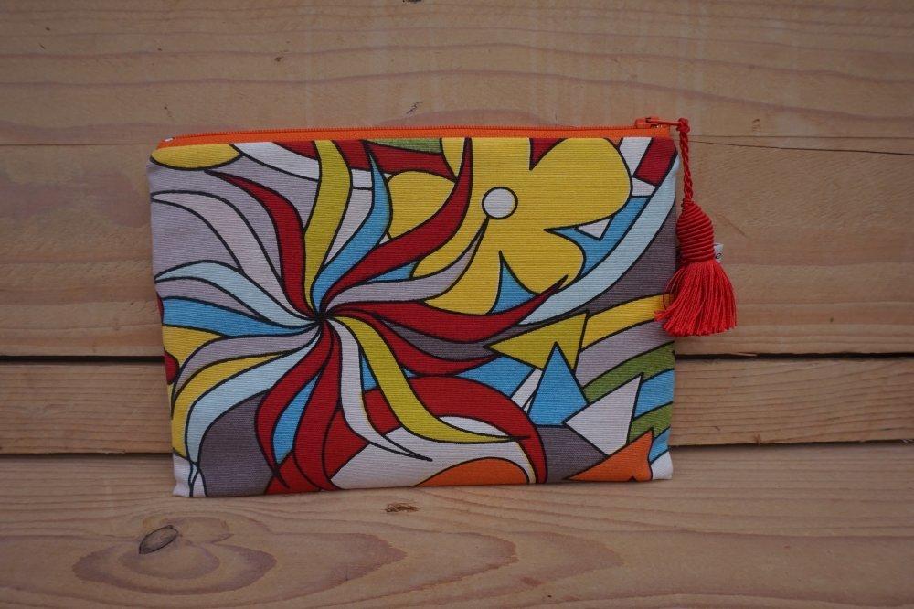 Pochette grand modèle, zip 20 cm figures géométriques multicolores.