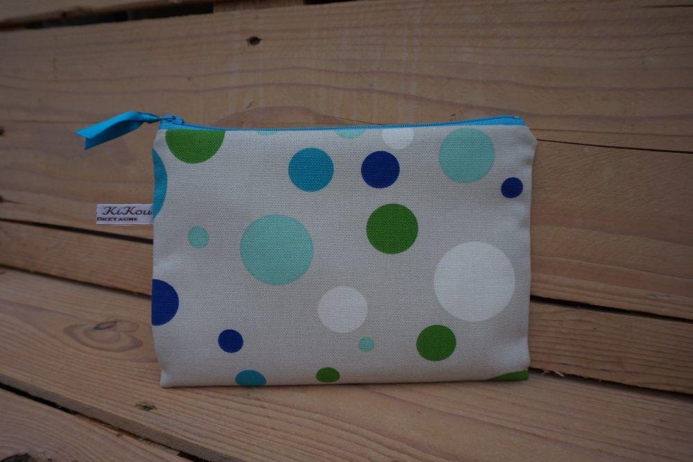 Pochette grand modèle, zip 20 cm imprimé pois tons bleu/turquoise/blanc/vert.