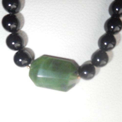 collier ras de cou jade