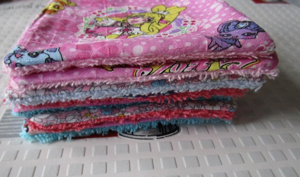 lingettes réutilisables zéro déchets pack semaine 7 lingettes lavables éco friendly tissu kawai liberty fleurs personnage rose girly