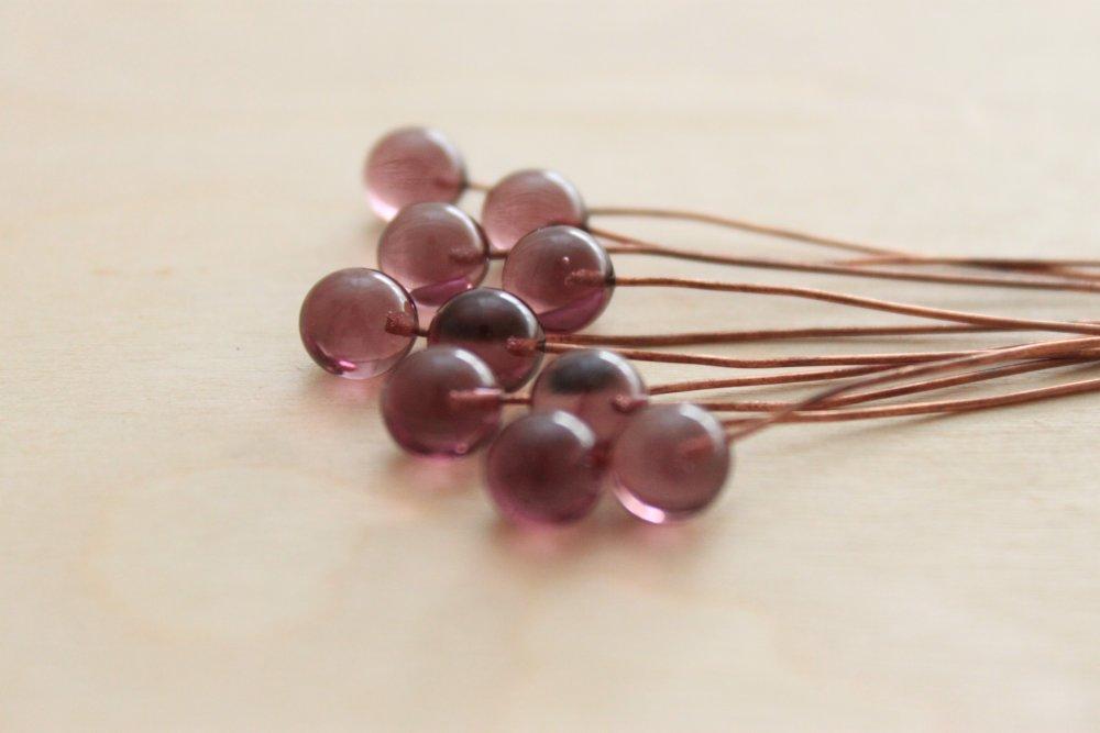 10 boules 5 mm en verre , sur fil de cuivre brut , violet 9