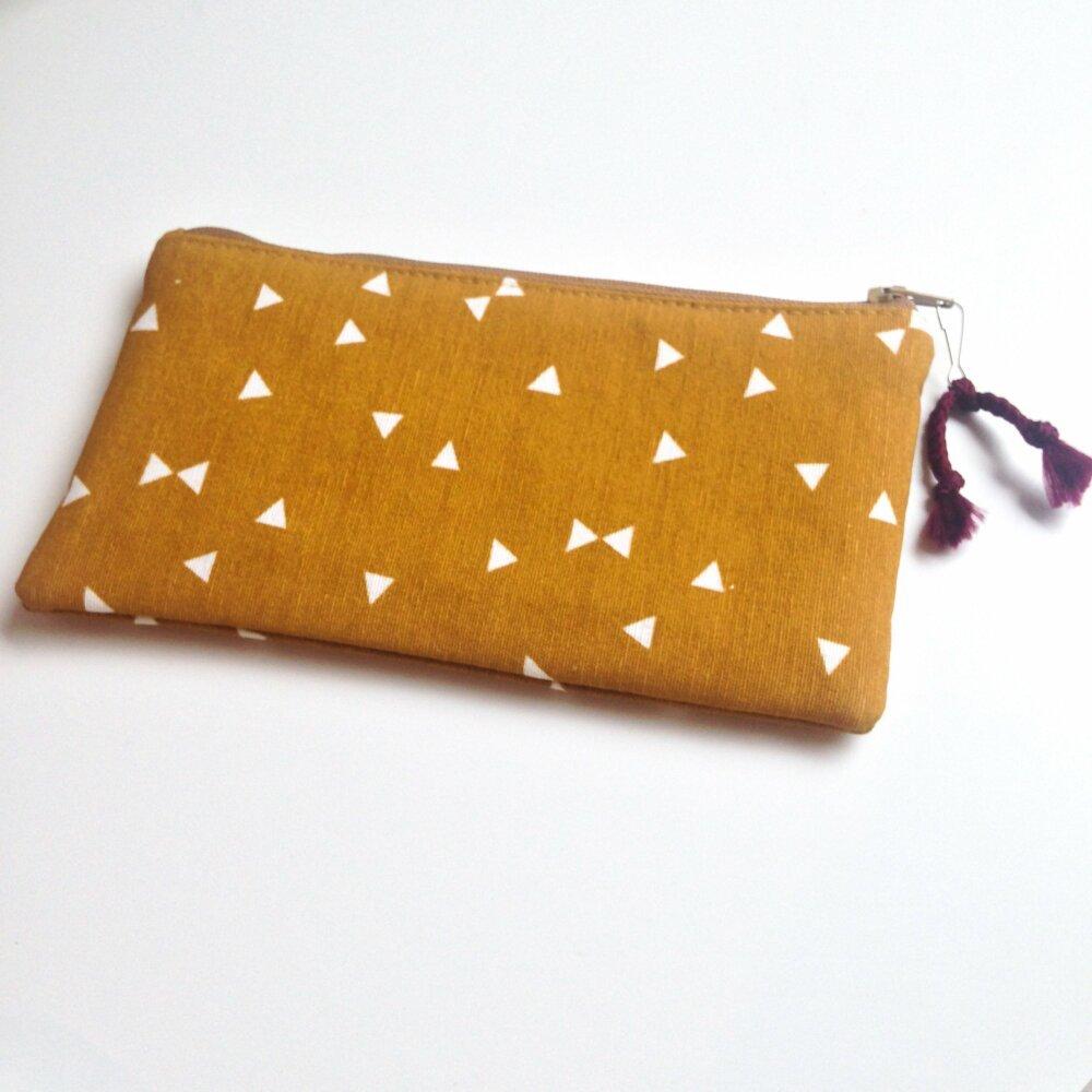 Pochette moutarde à glisser dans son sac