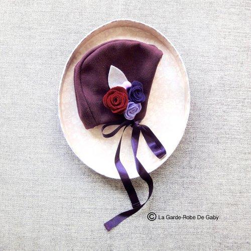 Bonnet/béguin bébé fille en laine et ses fleurs feutrine