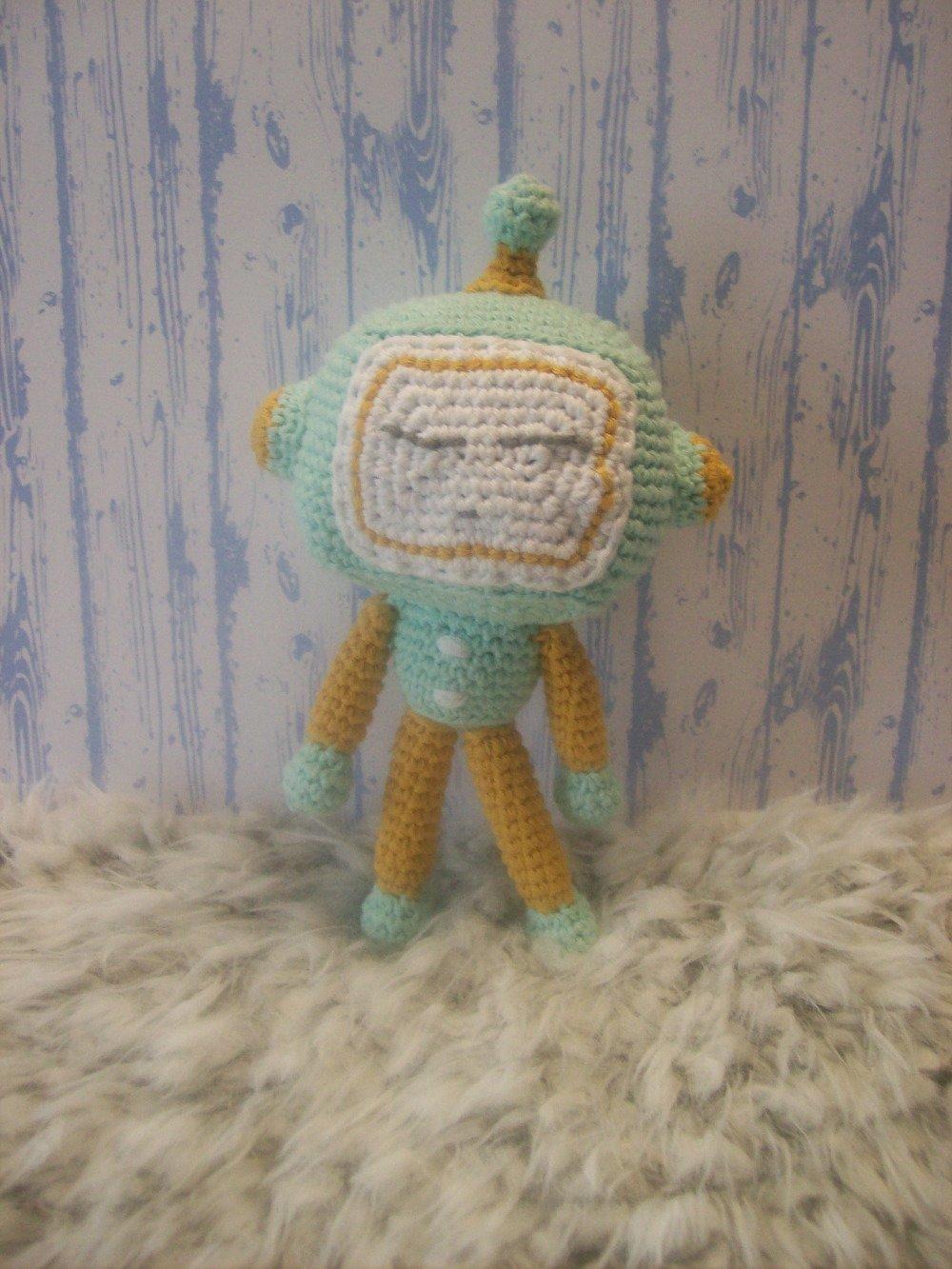 crochet robot amigurumi | http://lomets.com | 1333x1000