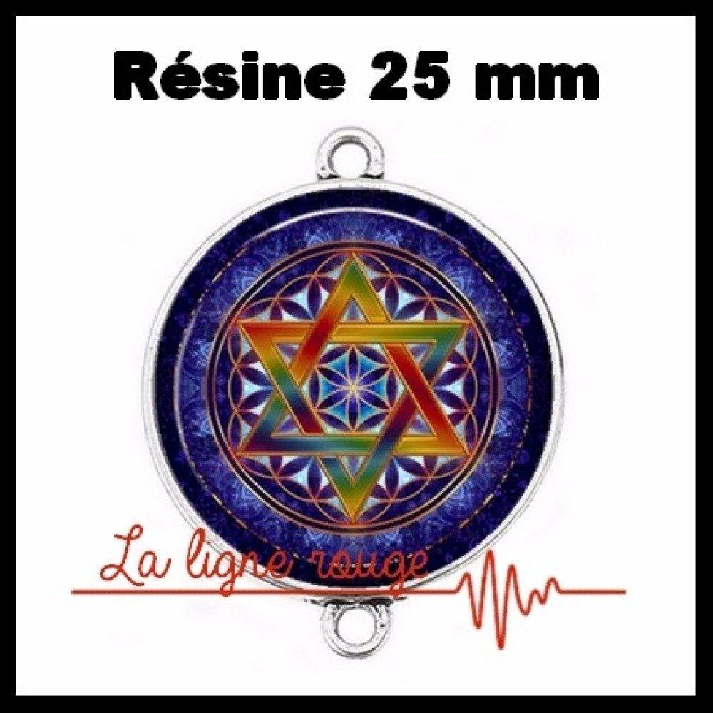 Connecteur argenté 25 mm cabochon dôme résine - Celte ( 129 ) - motif, forme géométrique