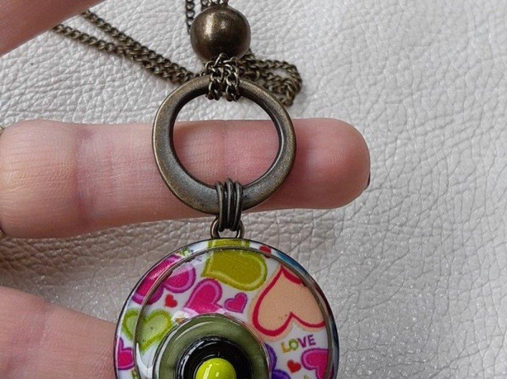 Nouveauté - Sautoir Rétro Vintage - Pendentif - Collier boutons Coco