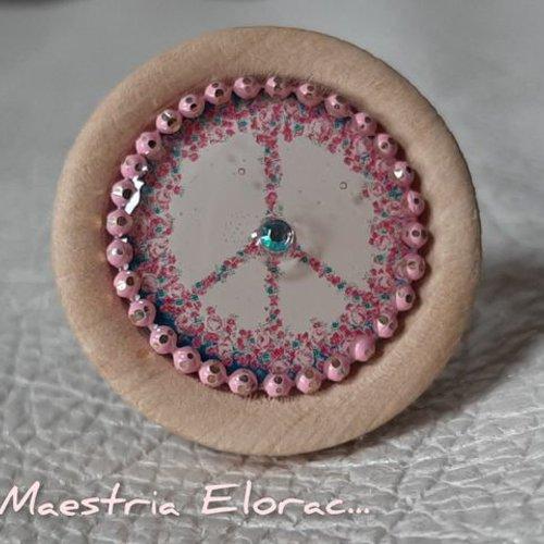 Bague artisanale en bois - bague cabochon vintage graphique - peace and love fleurs roses