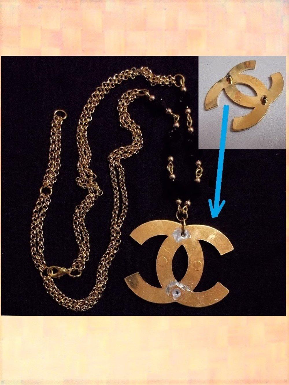 Collier noir et or avec pendentif Chanel authentique ancien fermoir de sac