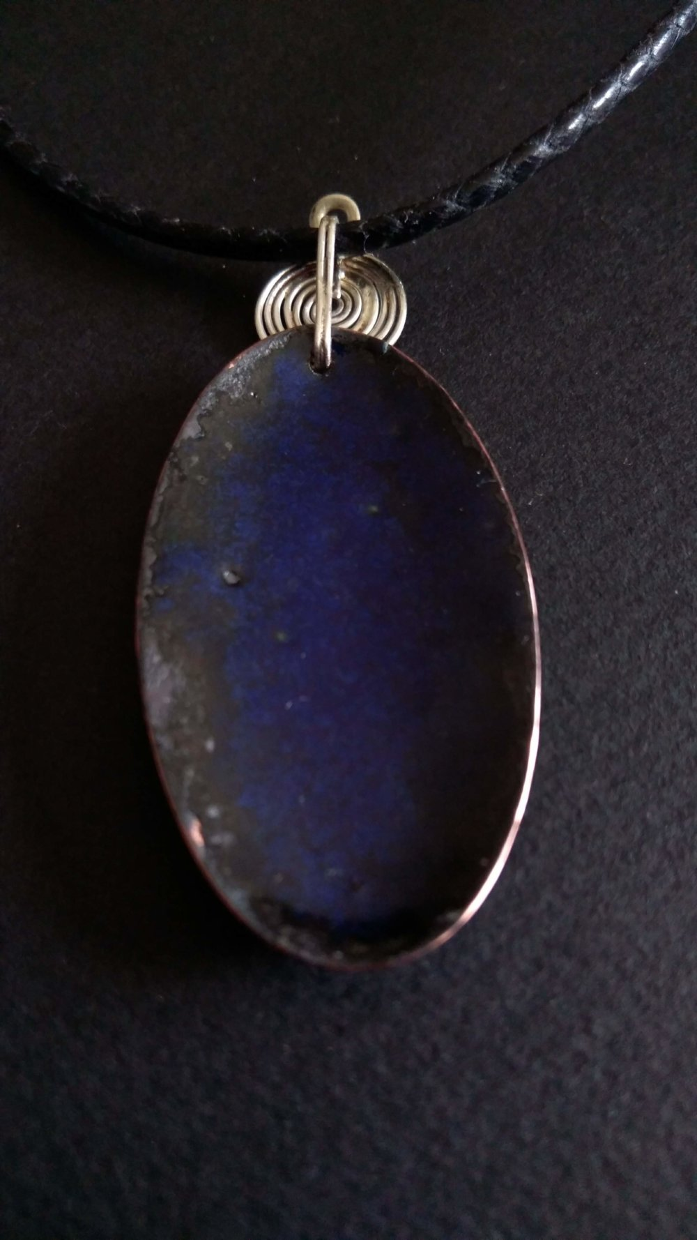 """Collier avec pendentif ovale collection """"origines"""" en émail sur cuivre"""