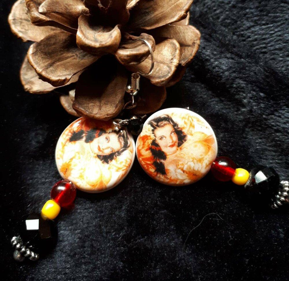 Boucles d'oreilles fantaisie gypsie bohème boho chic perle porcelaine artisanale perles tons rouge jaune et noir