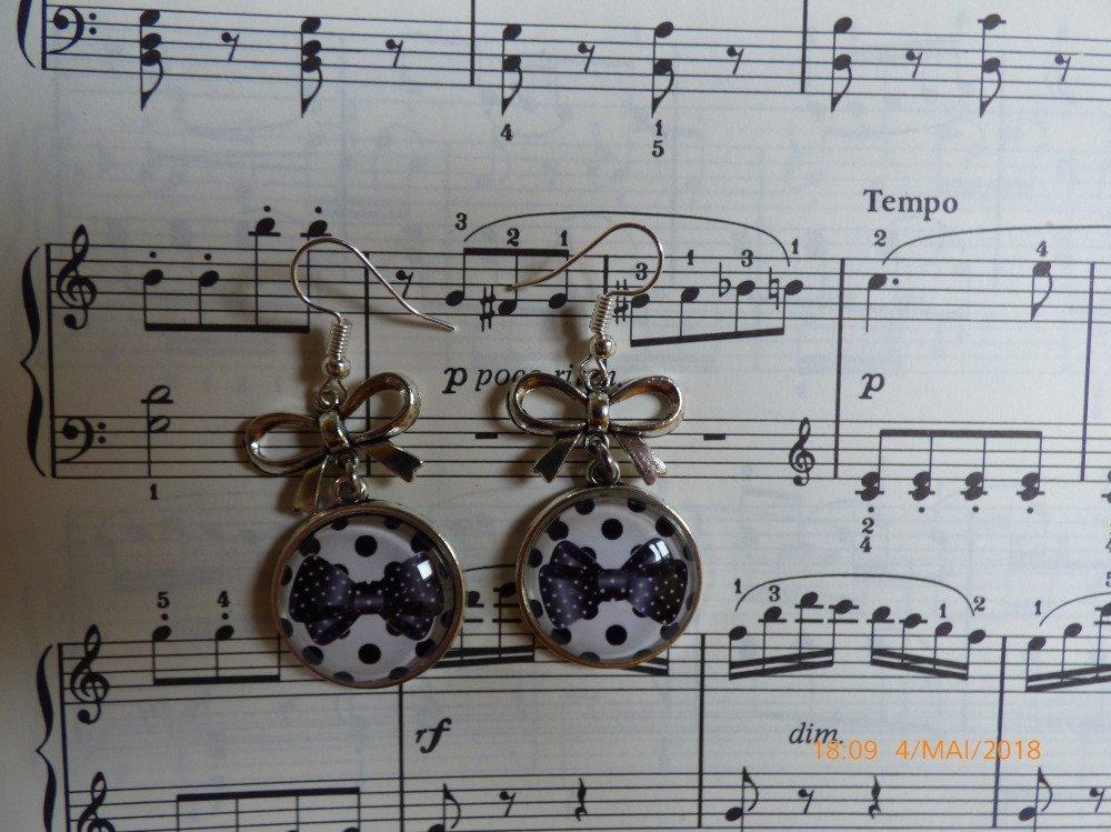 Boucles d'oreilles crochets  argent cabochons verre noeuds pois noirs
