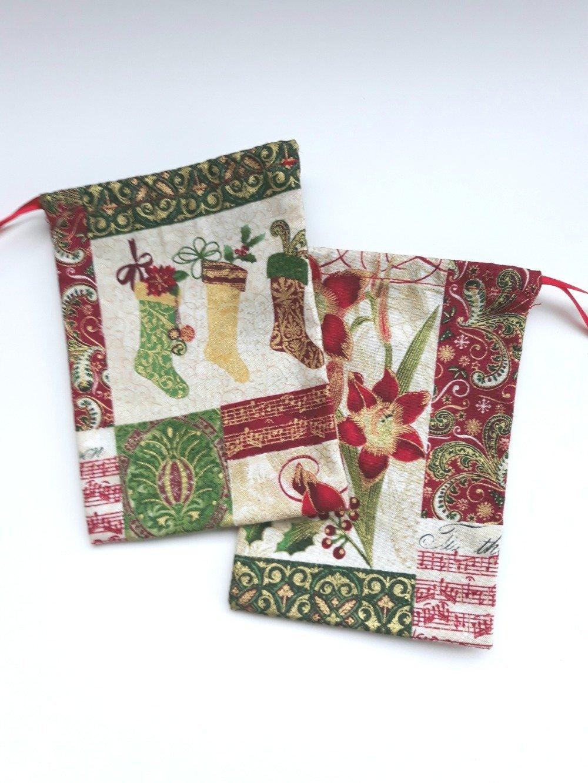 Lot de deux pochons cadeau de Noël, emballage cadeau zéro déchet