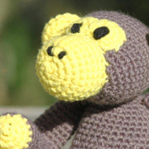 Doudou singe au crochet, collection la ménagerie