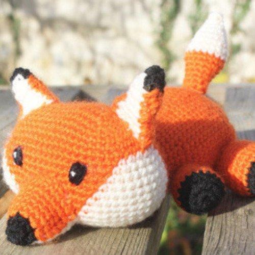 Doudou renard au crochet