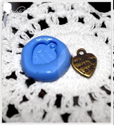 Moule silicone brelqoue made in love 13mm