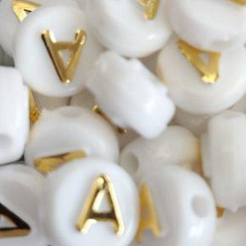 Perle lettre a doré/blanc 10mm pl1-a