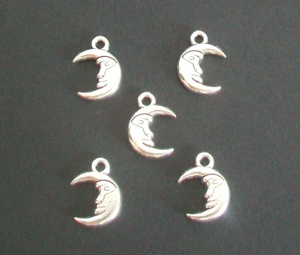 5 breloques croissant de lune argenté 17 x 12 mm.