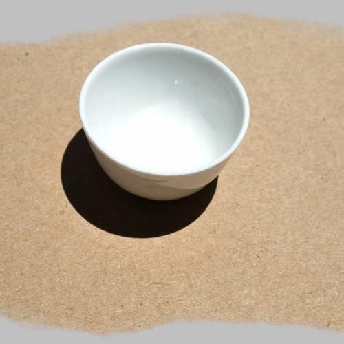 Pot en porcelaine blanche