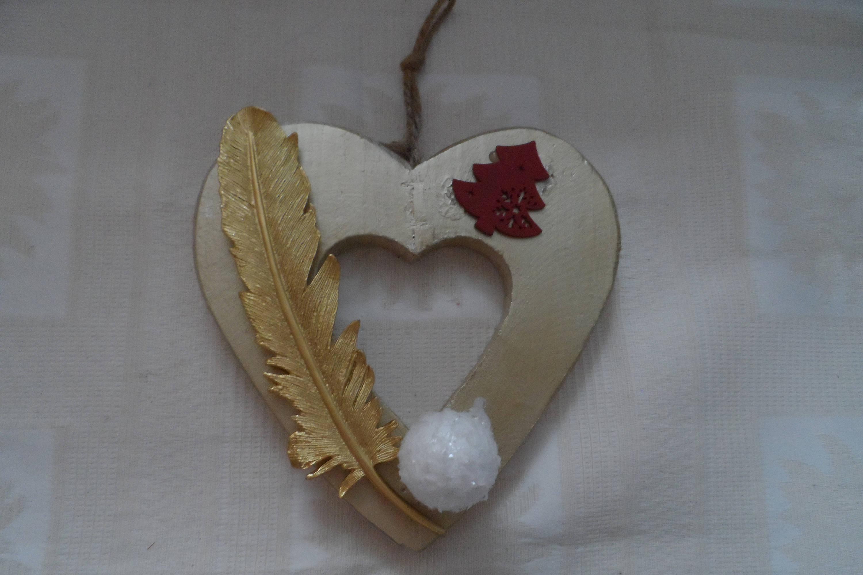 Boule De Plume A Suspendre cœur en bois doré décoration maison à suspendre plume en résine or, boule  polyester, sapin en bois rouge