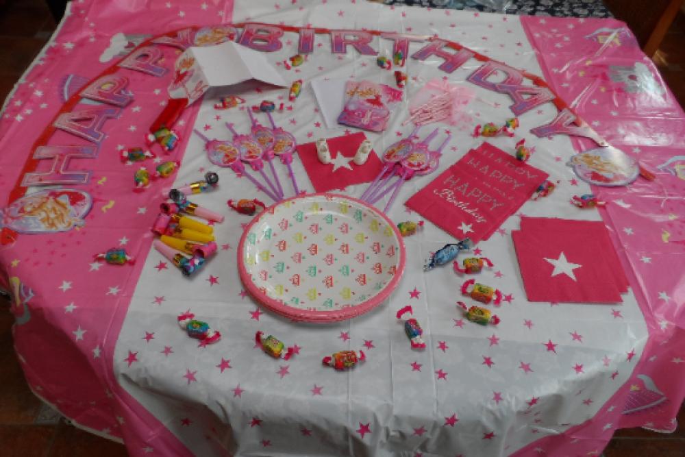lot pour anniversaire thème princesse, danseuse  box fête anniversaire enfant fête Halloween serviette assiette