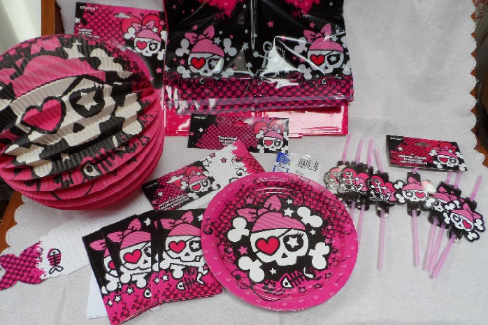 lot pour anniversaire thème  pirate, caraïbe,fille   box fête anniversaire enfant fête Halloween serviette assiette