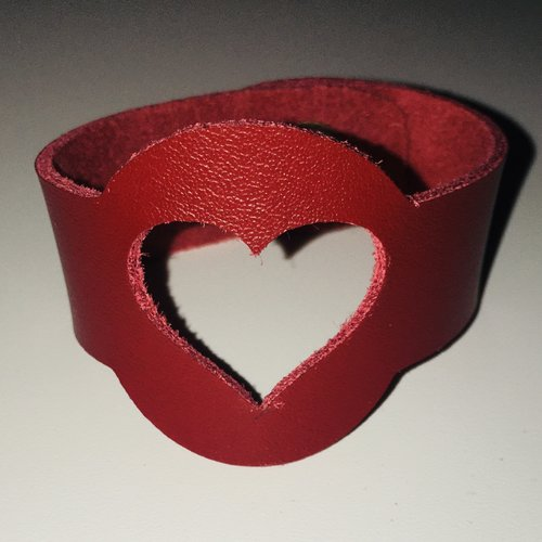 Bracelet enfant cuir véritable motif coeur