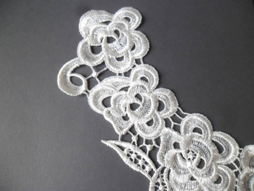 x 1 grande guipure encolure dentelle Venise floral blanche polyester à coudre 39 x 33 cm AN