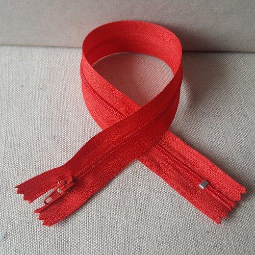 Fermeture rouge 30 cm