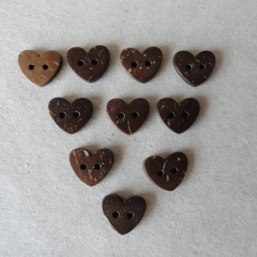 Lot 10 boutons en bois forme coeur