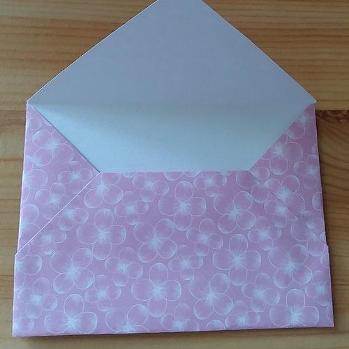 5 enveloppes en papier de couleur rose motif fleurs 10.5 x 8 cm