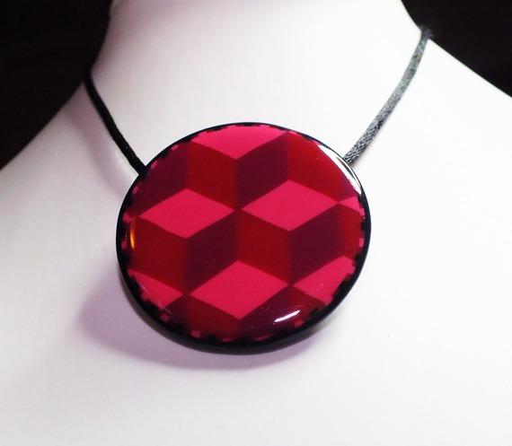Cubes empilés effet 3D dégradés tons rouges