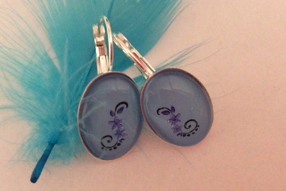 Boucles d oreilles fleur bleue