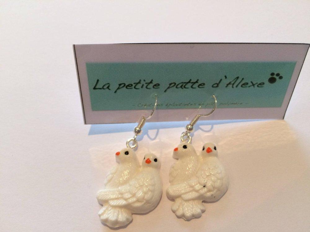 """Boucles d'oreilles """" Couple de colombes blanches"""""""