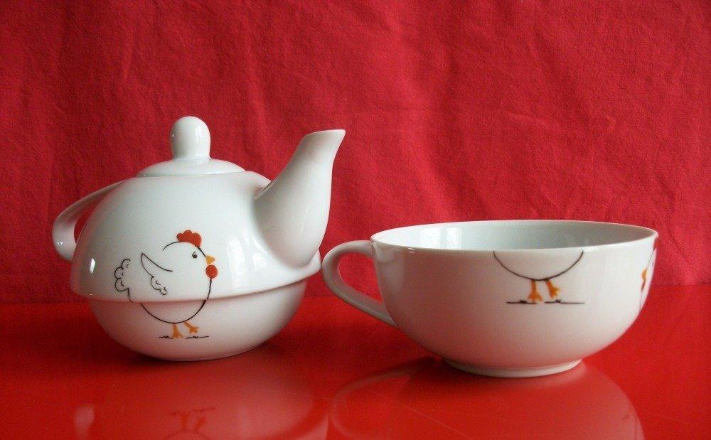 """Théière égoïste en porcelaine de Limoges  """" Petites Poules"""""""