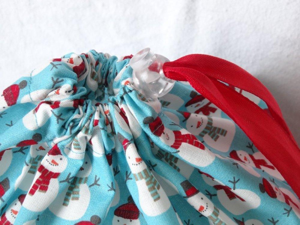Pochons cadeau en tissu pour un Noël zéro déchet!