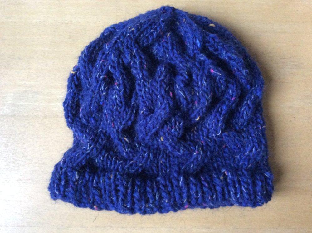 Bonnet slouchy femme entrelacs de torsades bleu profond