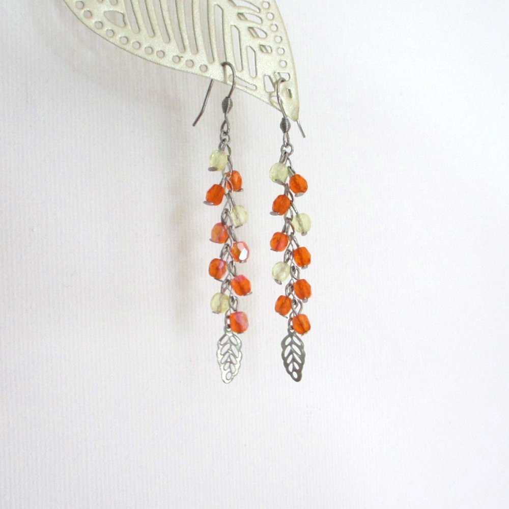Boucles d'oreilles grappe, couleur orange, boucles d'oreilles légères, femme, chic et brillant, verre de bohème, fait main, créateur