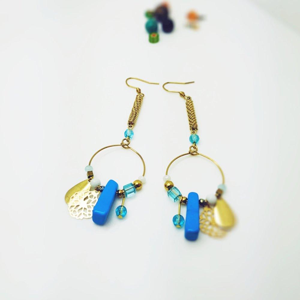 Longues boucles d'oreilles dorées - boucles d'oreilles bohème, pendentifs, perles, pierre, cadeau femme, france, bleu, style ethnique