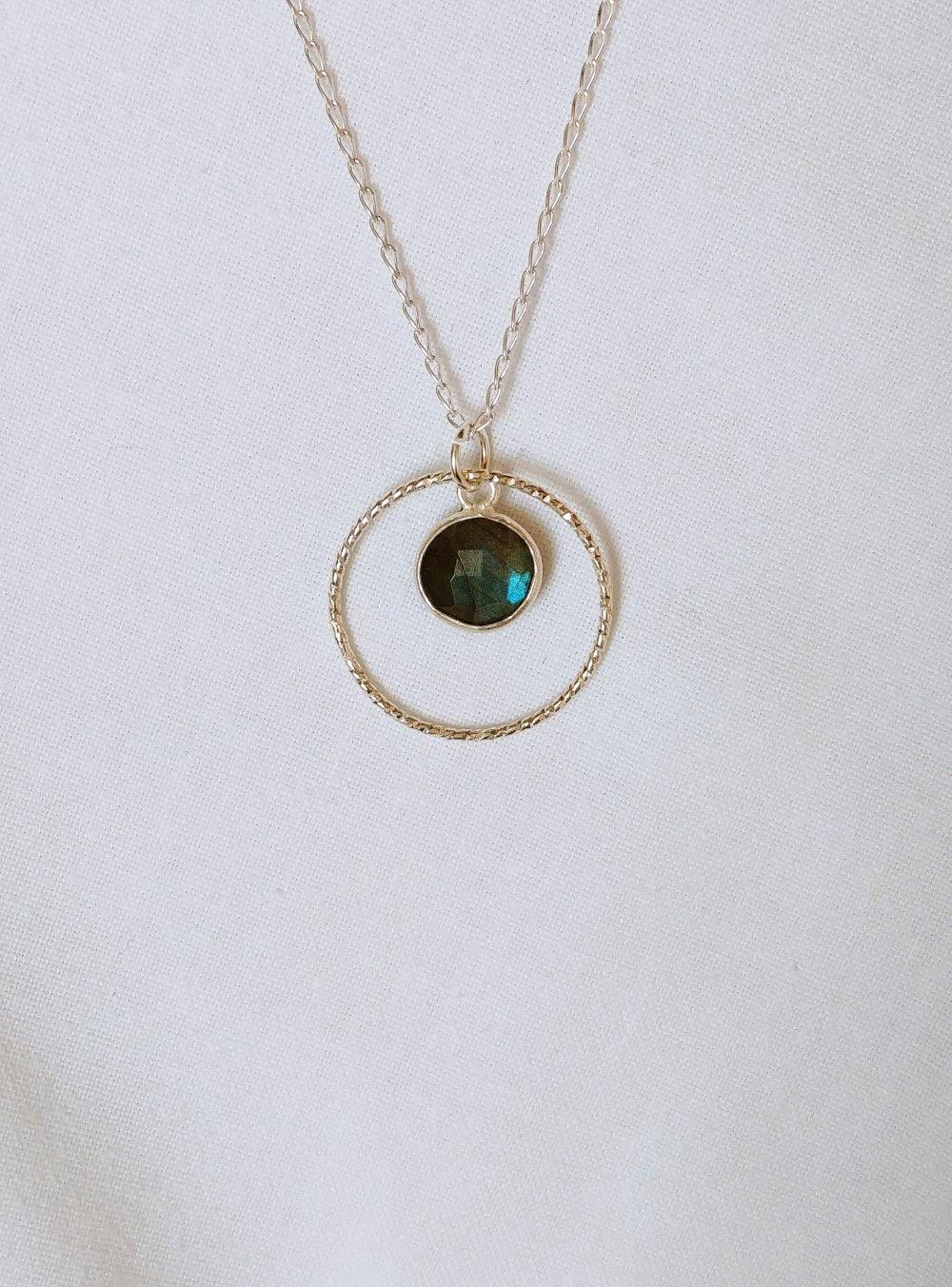 Pendentif labradorite, collier Labradorite argent, pendentif anneau, argent 925, collier pierre, bijou femme, idée cadeau femme