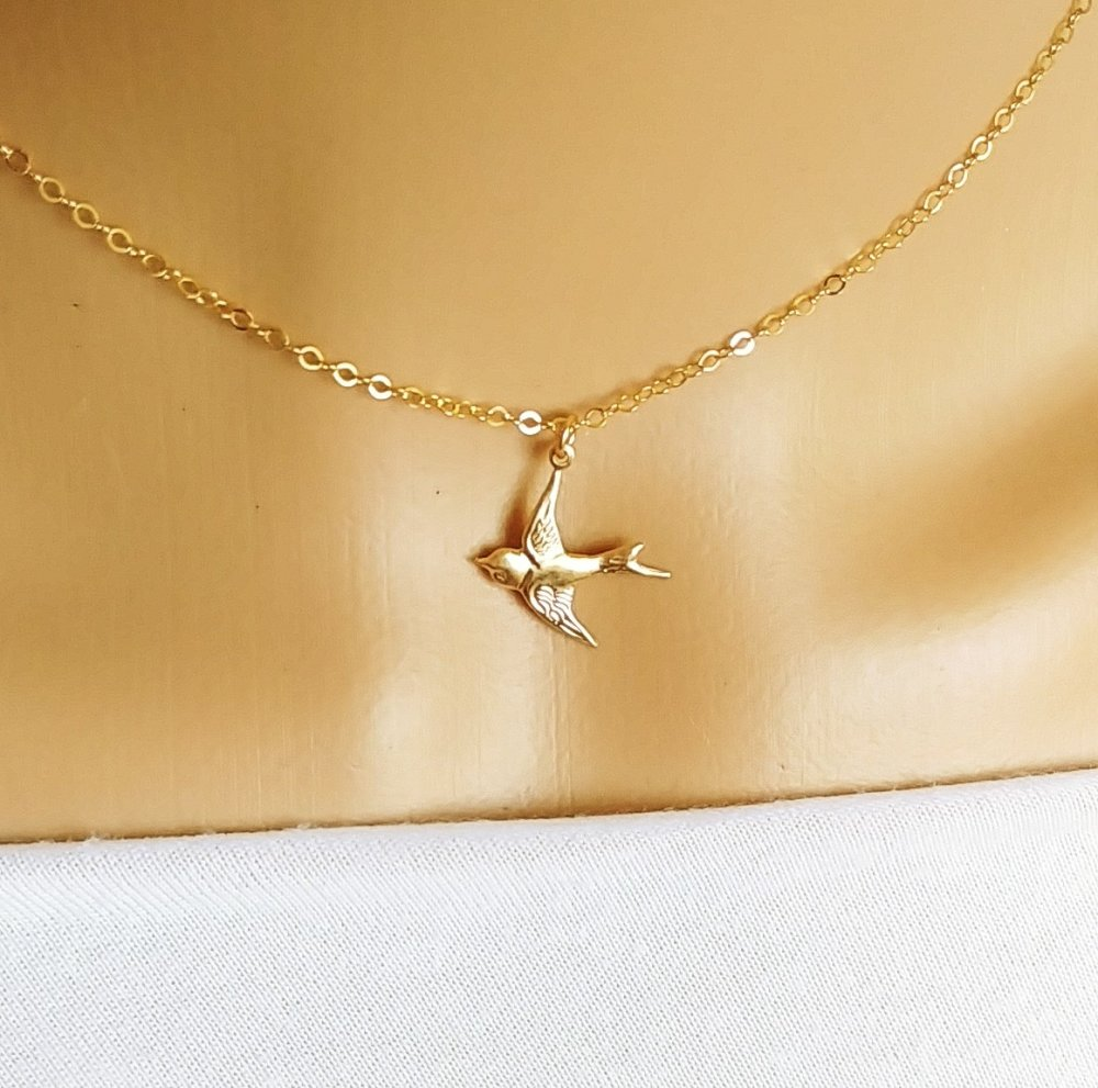 Collier oiseau or, collier hirondelle, pendentif oiseau or, collier femme, cadeau femme