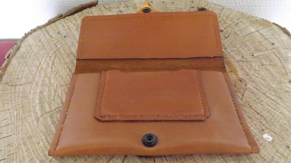 Bla07- Blague à tabac en cuir marron