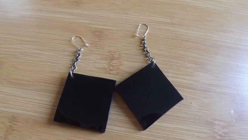 Bo65- Boucles d'oreilles en cuir noir brillant pailleté