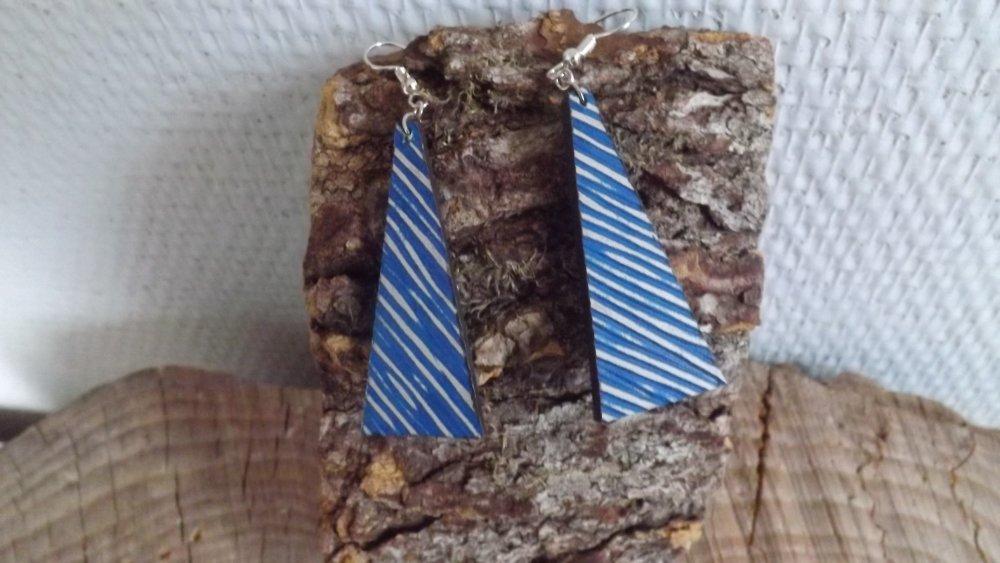 Bo90- Boucles d'oreilles en cuir bleu strié