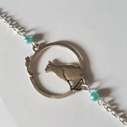 Bracelet chat argenté et perles bleu clair