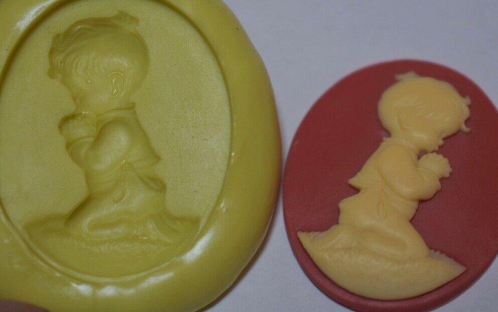 moule silicone cabochon camée garçon resine epoxy , fimo,plâtre,chocolat