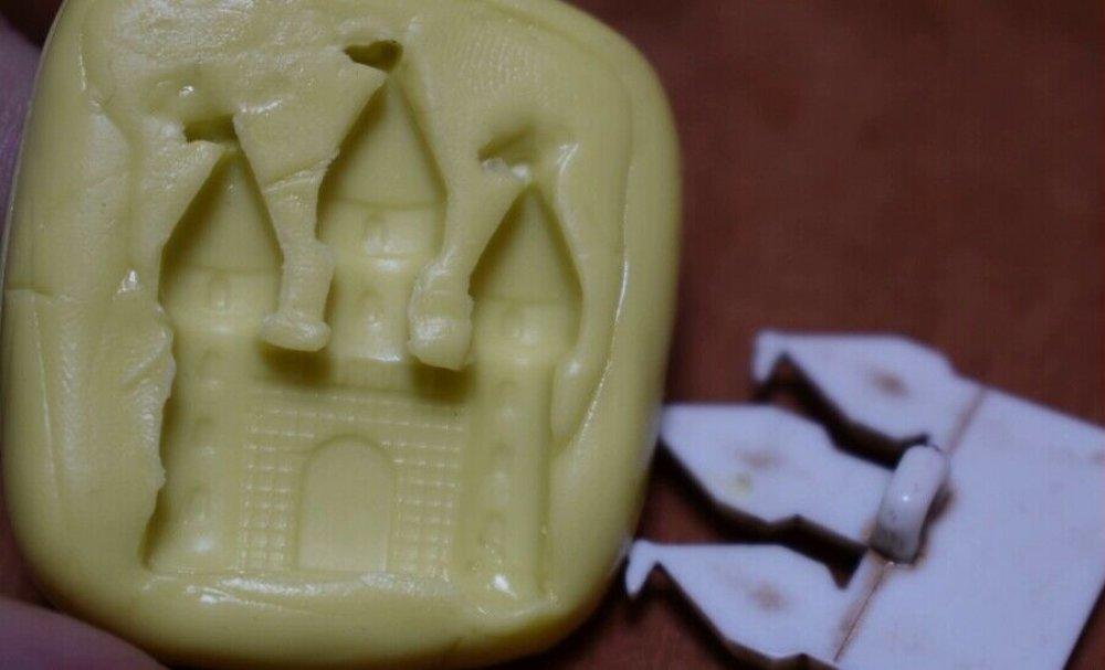 moule silicone cabochon chateau resine epoxy , fimo,plâtre,chocolat