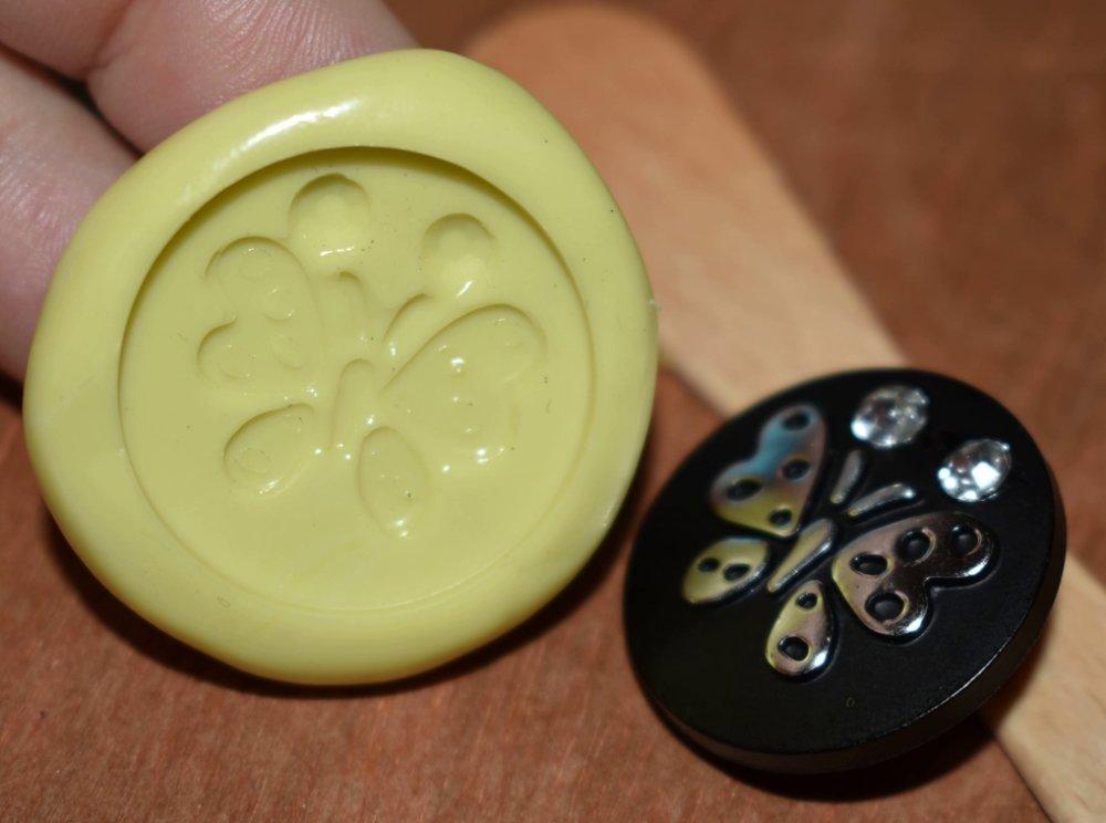 moule silicone cabochon papillon resine epoxy , fimo,plâtre,chocolat