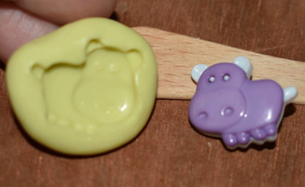 moule silicone cabochon hippopotame resine epoxy , fimo,plâtre,chocolat